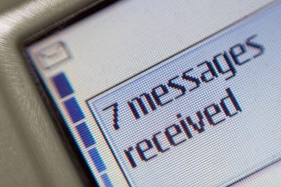 Las redes sociales matan al SMS