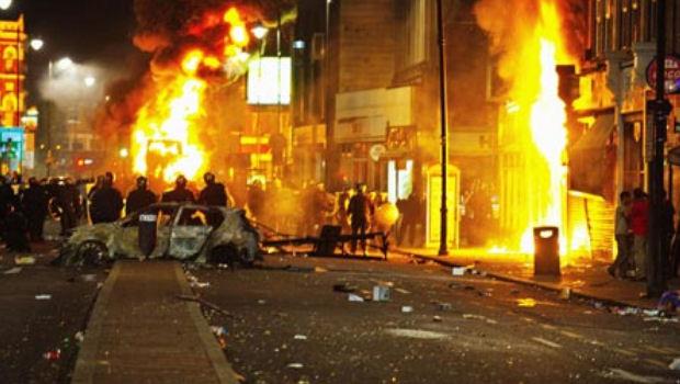 Anonymous convoca a una gran manifestación en el Reino Unido