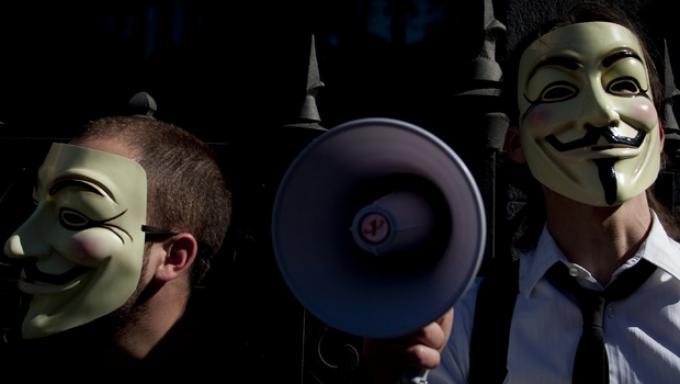 Anonymous ataca nuevas webs policiales
