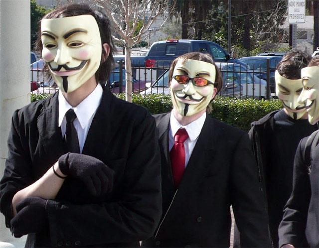Confusión: Anonymous negó haber declarado el fin de Facebook