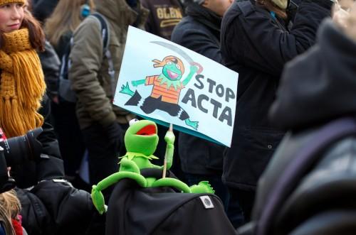 El Parlamento Europeo le bajó el pulgar a ACTA