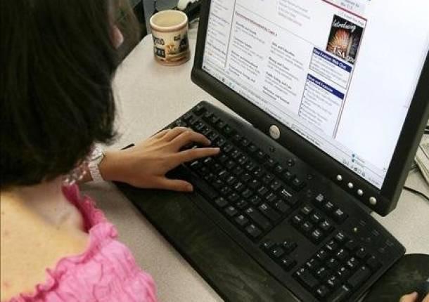Los adolescentes pasan más de dos horas al día en Internet
