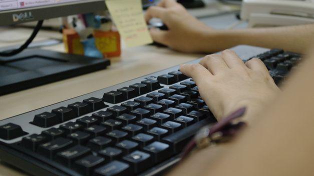 El 20% de los adolescentes reciben peticiones de fotos comprometidas