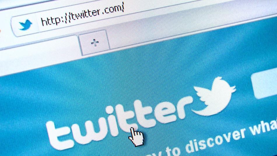 Denuncian robo de cuentas de usuarios en Twitter
