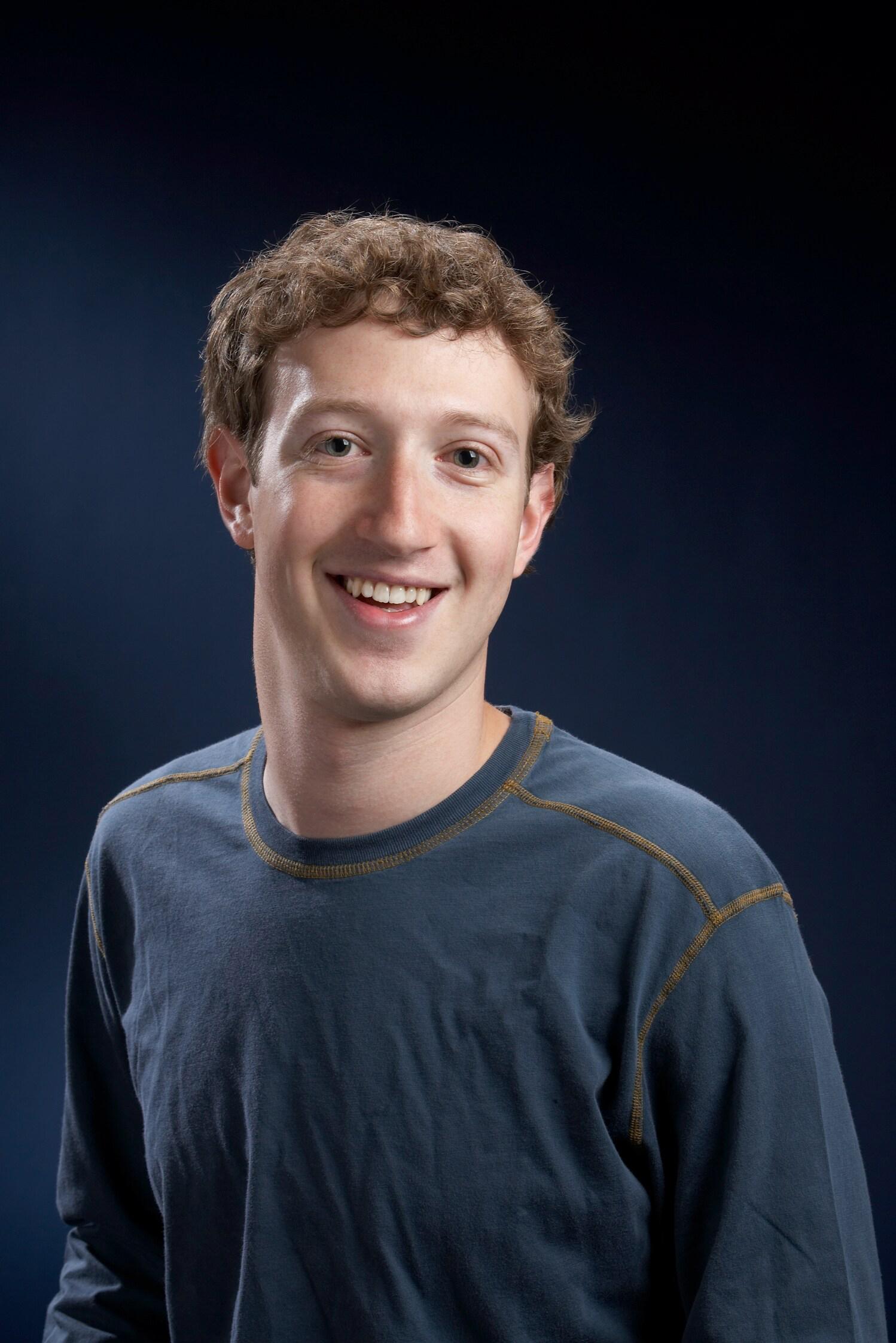 Facebook anima a Twitter a que cotice en bolsa