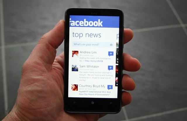 Ya hay 1000 millones de usuarios móviles de Facebook