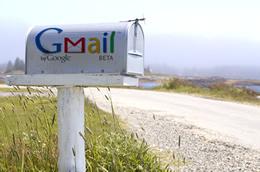 Gmail permite adjuntar desde el PC fotos tomadas con el smartphone
