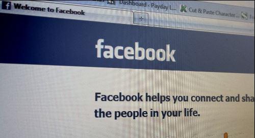 Polémica por la negativa de Facebook a cerrar una página de peleas de perros