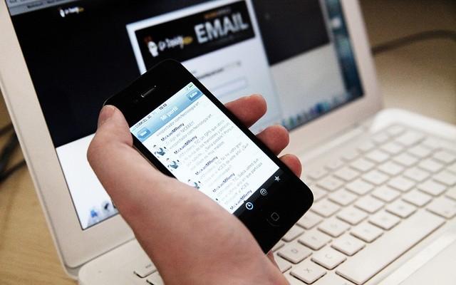 El precio por acceder a Internet en el extranjero se reduce hasta casi la mitad