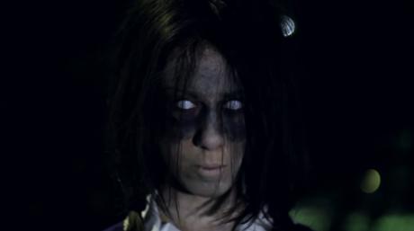 Mira el vídeo de la niña que espanta a todos en YouTube