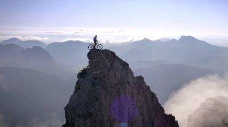 ¿Conoces el video más impactante de ciclismo de montaña?