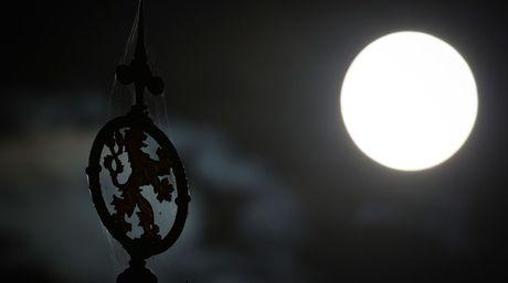 ¿Sabías que el Reino Unido desea llevar a la Luna un robot con muestras de ADN?