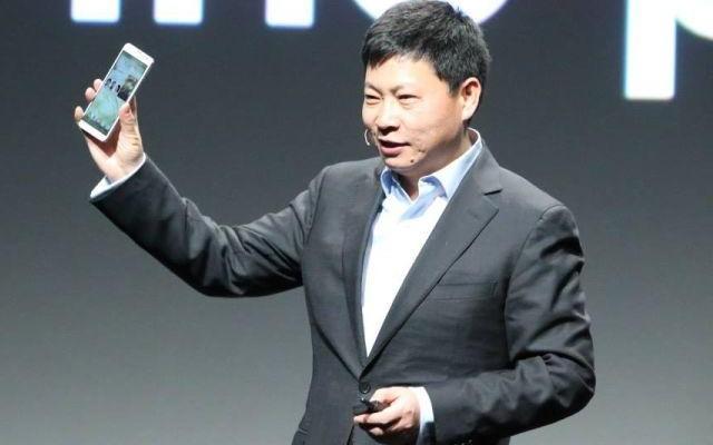 Huawei lanza en Pekín su más reciente smartphone